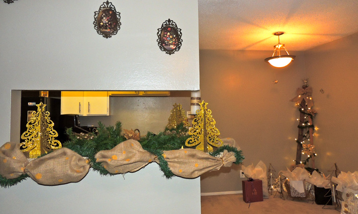 I created my own garland by bunching up hand-painted burlap and using garland with wire from the Dollar Tree