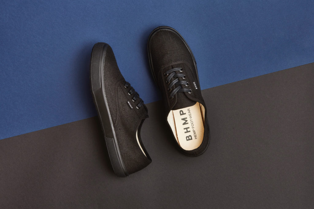 bohempia black low top hemp fabric tennis vegan sustainable eco-friendly shoe