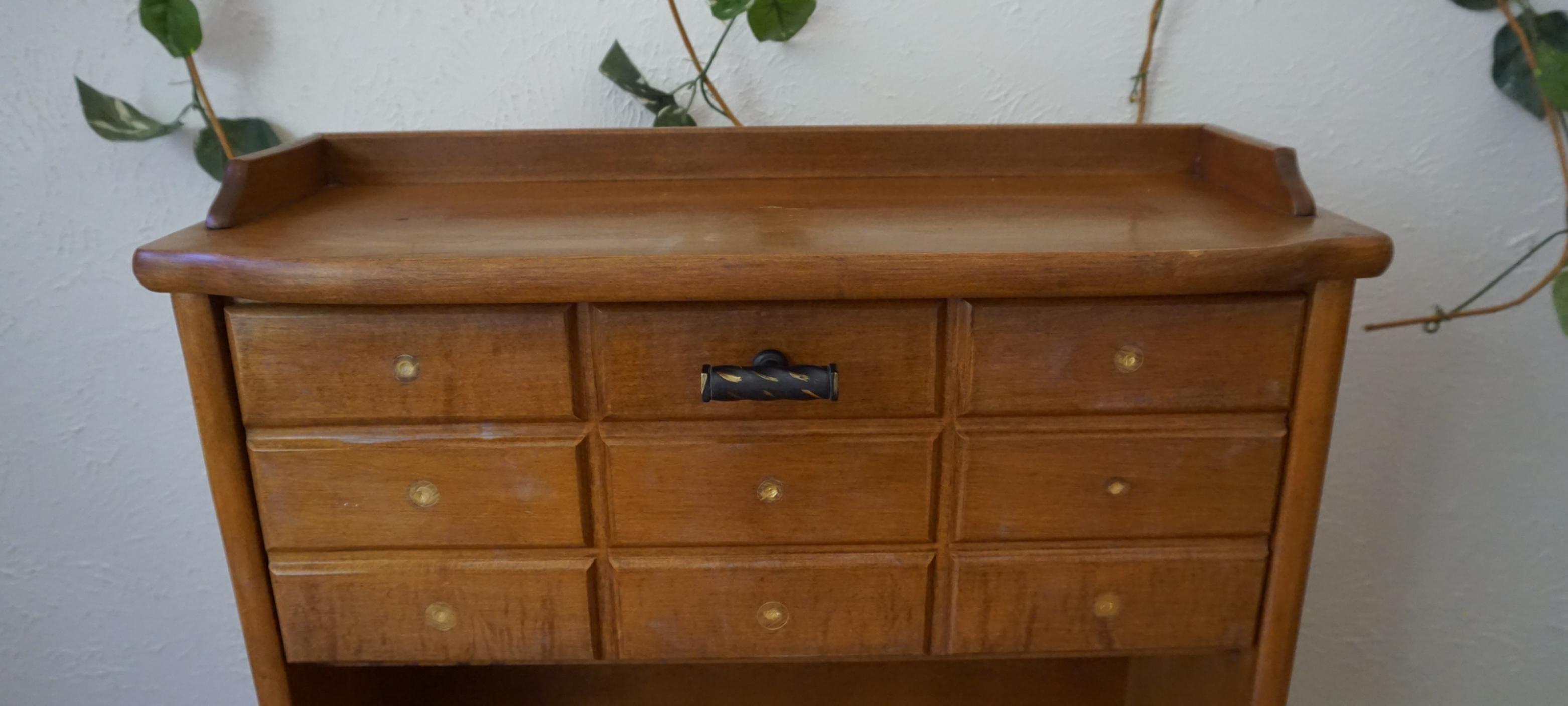 Thrift Store Decor – Minimalist DIY Furniture Upcycle