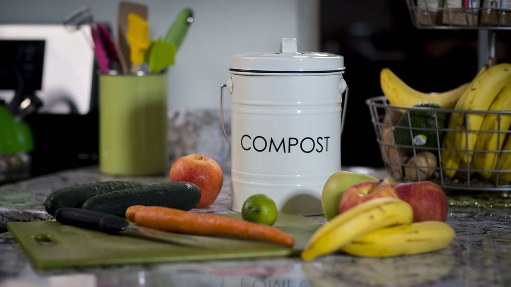 indoor kitchen compost bin - eco-friendly gift ideas